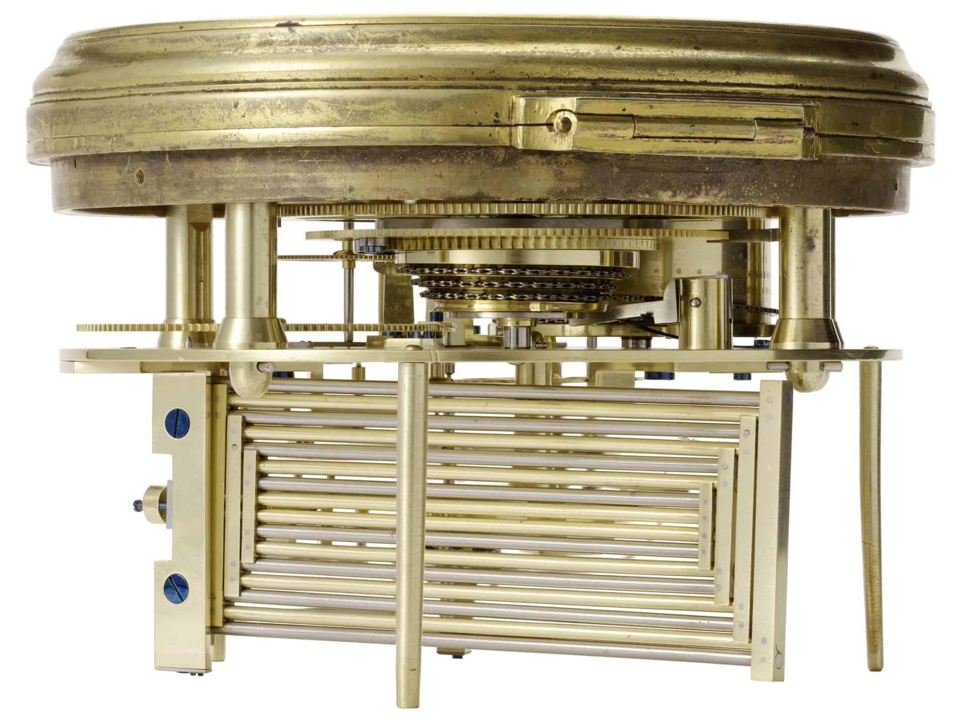 Die federnde kardanische Aufhängung des Ferdinand Berthoud Marinechronometers