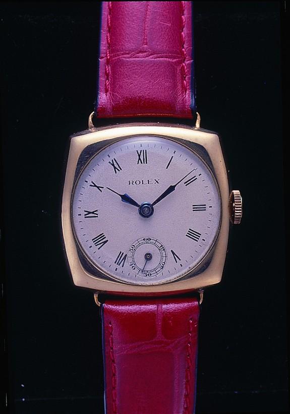 Tradition verpflichtet - und mit Rolex werden über 100 Jahre Uhrenbau verknüpft. Dieses Modell stammt aus den ersten Jahren