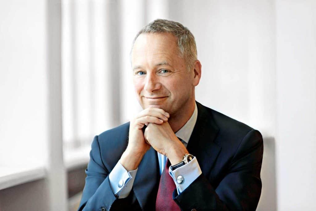 Lange&Söhne CEO Schmidt kann mit großer Zufriedenheit auf Wachstumszahlen wie Neubau schauen