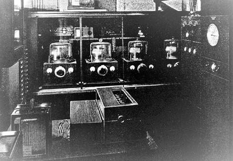 Zwar präzise, aber noch noch nicht bereit fürs Handgelenk_ Die Crystal Clock von Warren A. Marrison aus dem Jahr 1929
