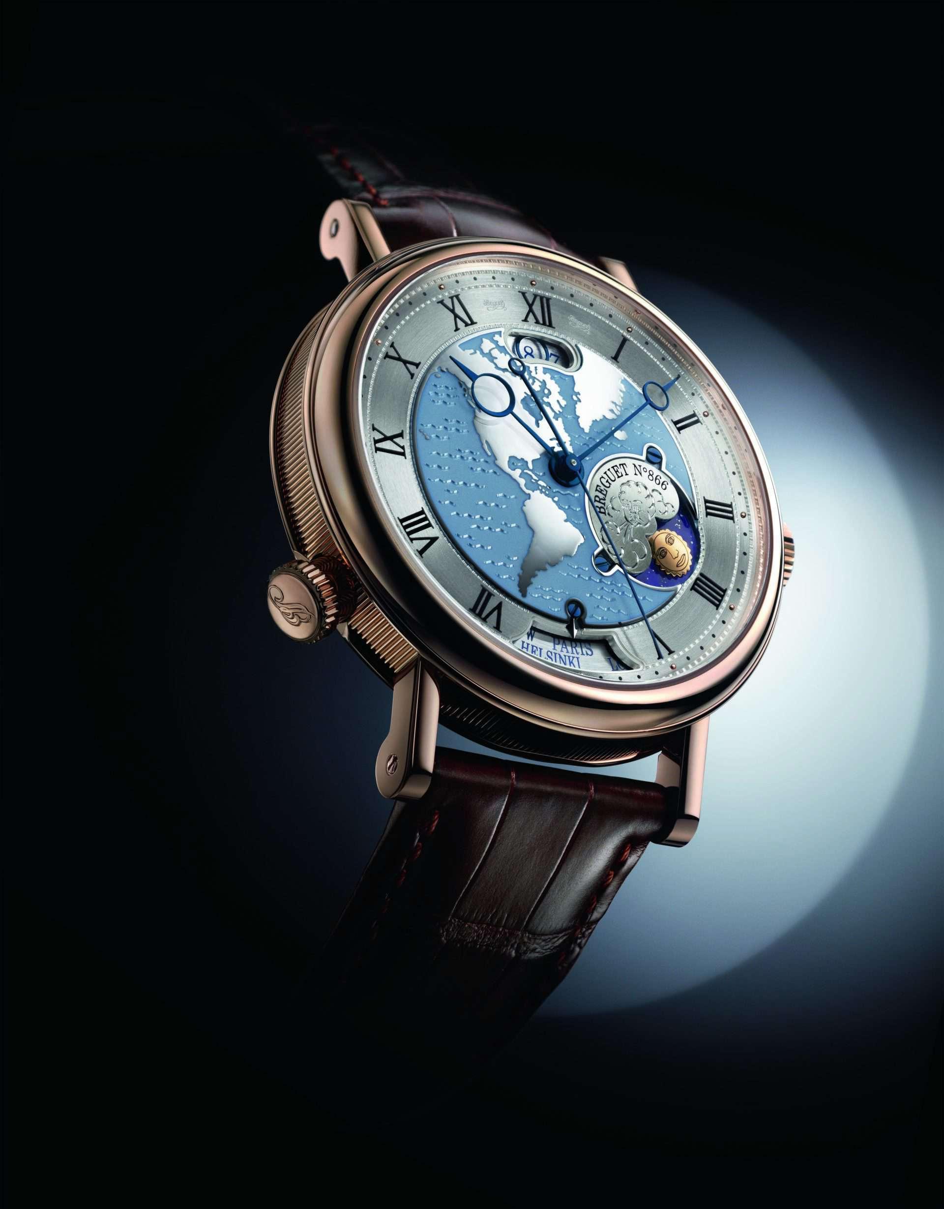 Die Breguet Hora Mundi bietet einen unmittelbaren Zeitzonenwechsel mit synchronisierter Anzeige von Datum, Tag-Nacht- Indikator sowie der und Zeitzonenstadt. Wir finden, sie sollten sich alle Zeit der Welt nehmen, um die Uhr in ihrer komplexen Funktionalität in Ruhe bewundern zu können