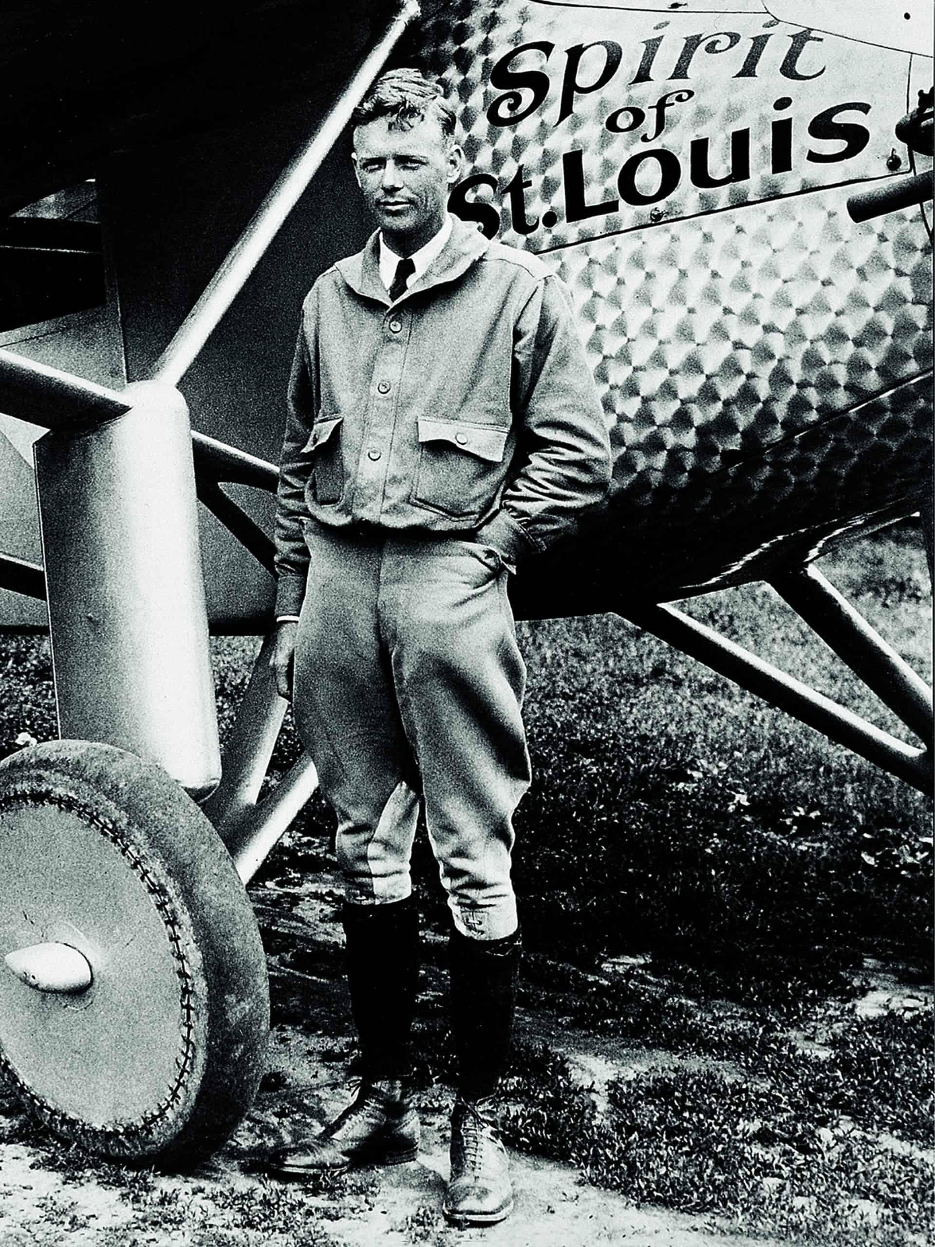 Er nutzte auf seiner Transatlantiküberquerung die Vorzüge der Navigation anhand einer genauen Stundenwinkelarmbanduhr: Charles Lindbergh und seine Longines ware ein gutes Navigationspaar.