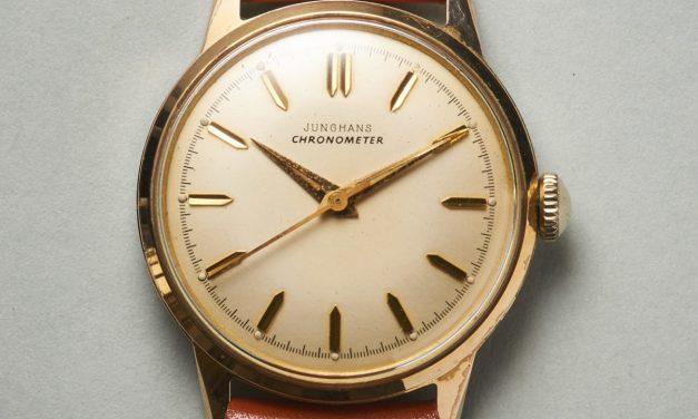 Dieser Junghans  Chronometer erzählt von tiefen Tälern, dunklen Tannen und feinen Uhrwerken