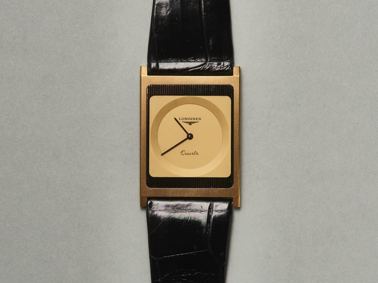 Eine Armbanduhr wie tickendes Blattgold