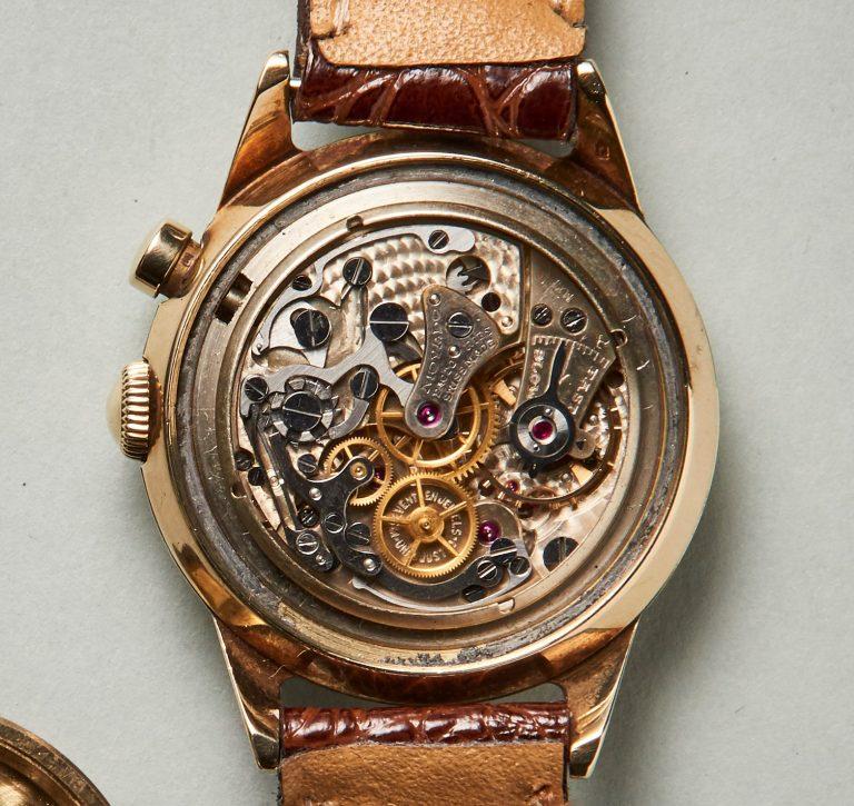 Das klassische Werk mit additivem Chronographen-Modul. Die Schaltrad-Platine ist klassisch konstruiert und lässt sich mit wenigen Handgriffen vom Uhrwerk trennen