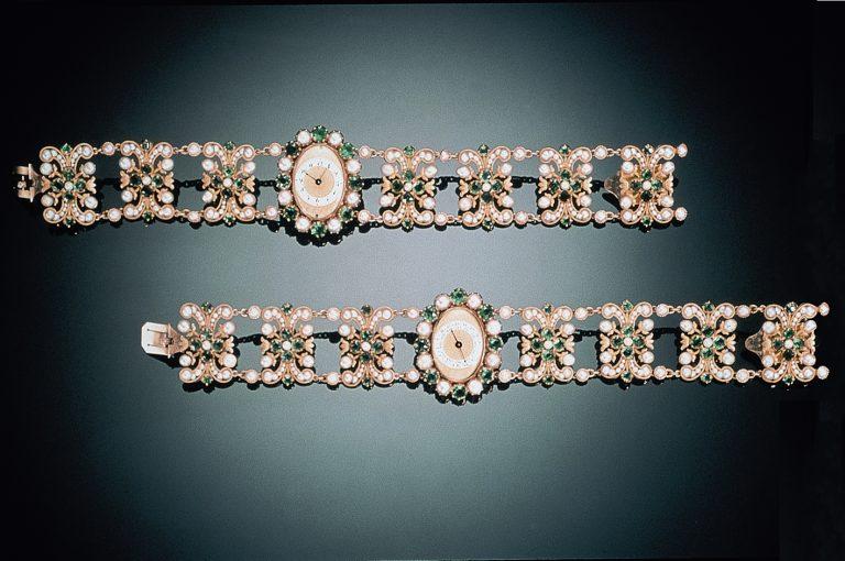 Das echte Armband machte diese Uhr des Juweliers Etienne Nitot zur ersten Armbanduhr der Welt. Auch wenn der Aufzug noch per Schlüssel erfolgte