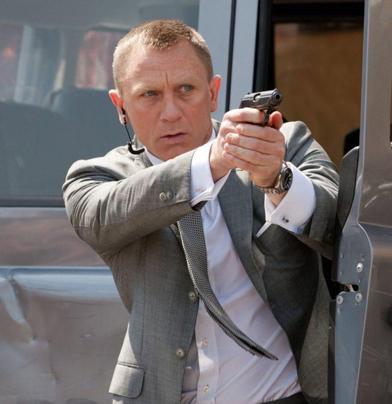 Er weiß, was die Stunde geschlagen hat: Daniel Craig im Einsatz ihrer Majestät und als perfekter Gentlemen und Markenbotschafter von Omega