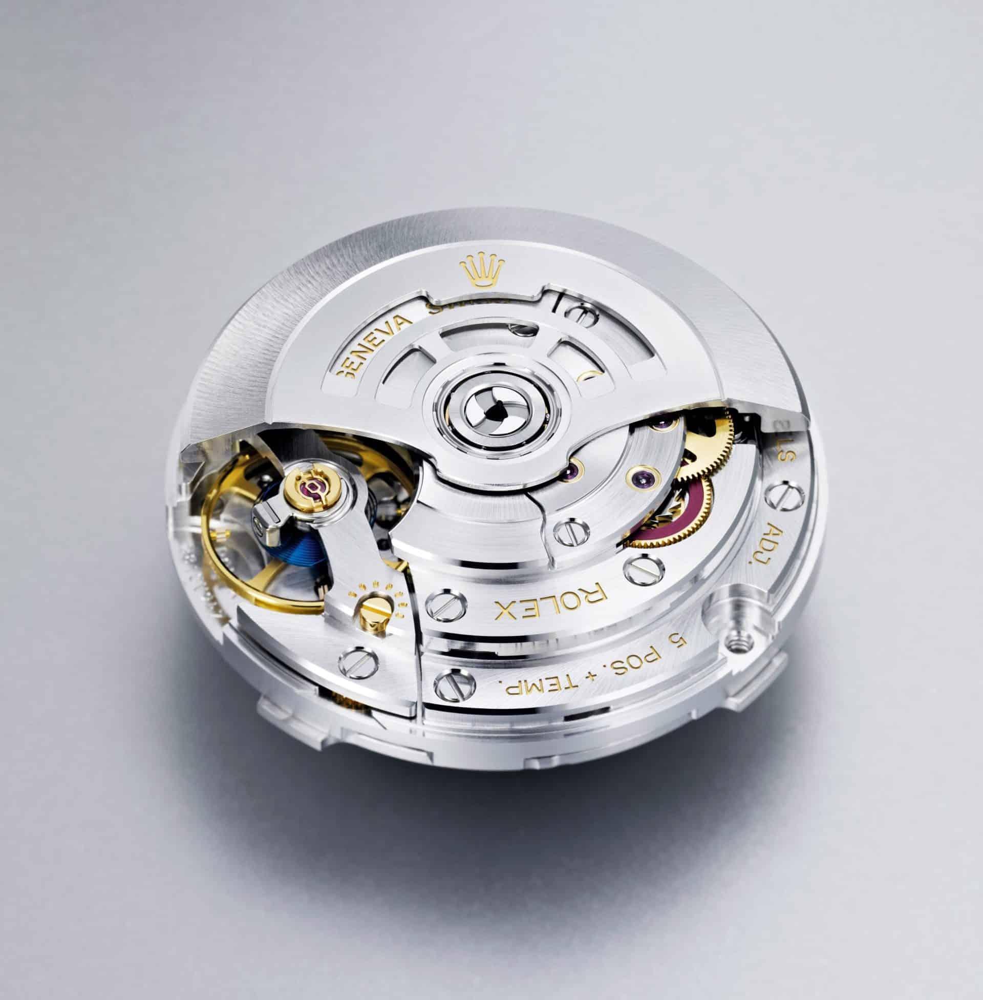 Das Rolex Kaliber 3235 wurde von Rolex entwickelt und ist gleichmaßen stabil und präzise