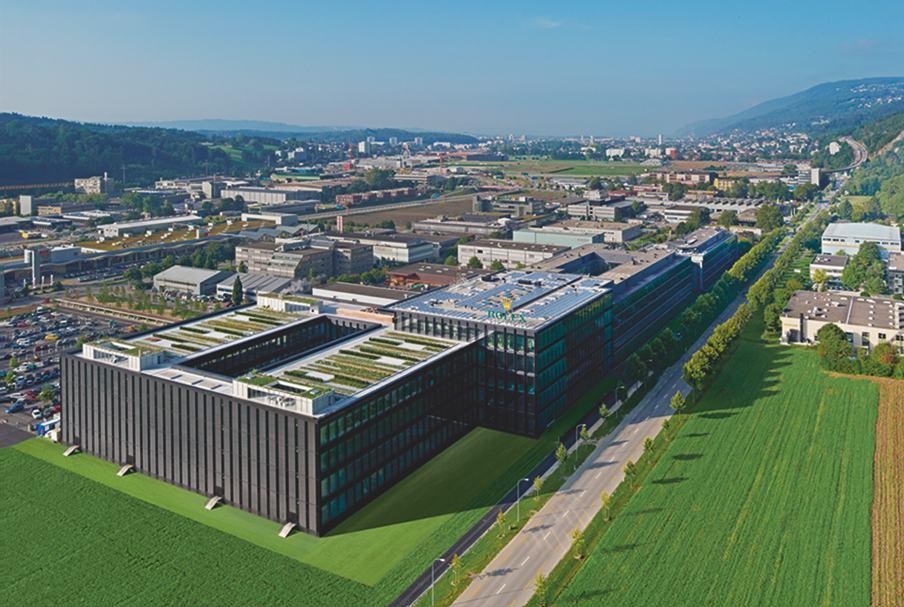 Die Rolex Werkefabrik am Bieler Bözingenfeld ist groß und imposant