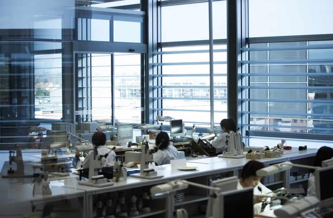 Die Fertigstellung der Rolex Uhren geschieht in Genf - Foto Rolex