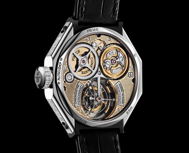 Das Weißgold-Modell von Berthoud mit eingearbeiteten Diamanten und dem komplizierten Uhrwerk
