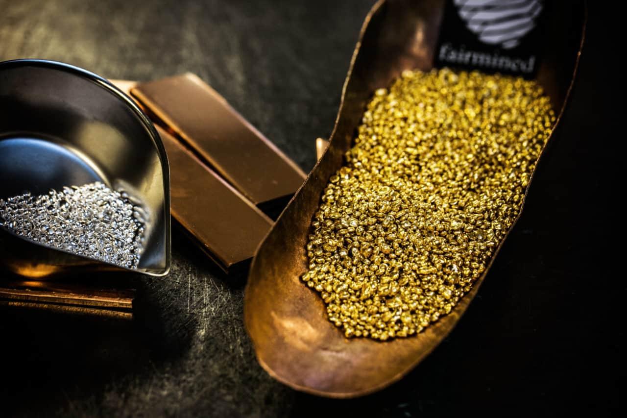 So entstehen Uhrengehäuse aus Gold