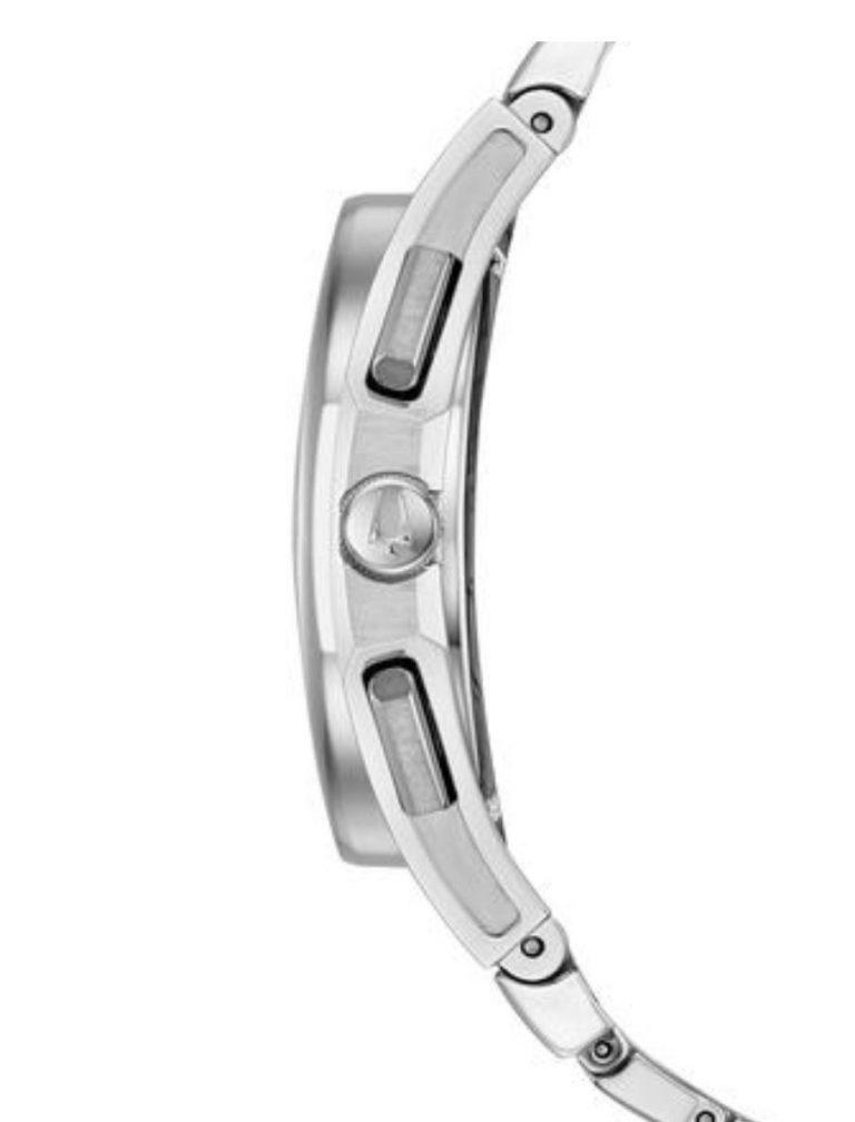 Bulova Curv Silberfarben 96A205 in seitlicher Ansicht