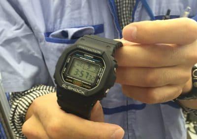 eine G-Shock Uhr nach erfolgreich bestandenem Test