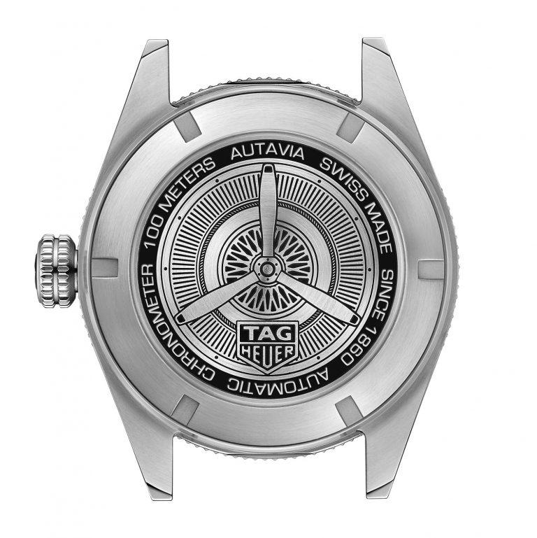 Robustheit und bis 100 Wasserdichtigkeit - der neuen Autavia Chronometer ist sportlich ausgelegt