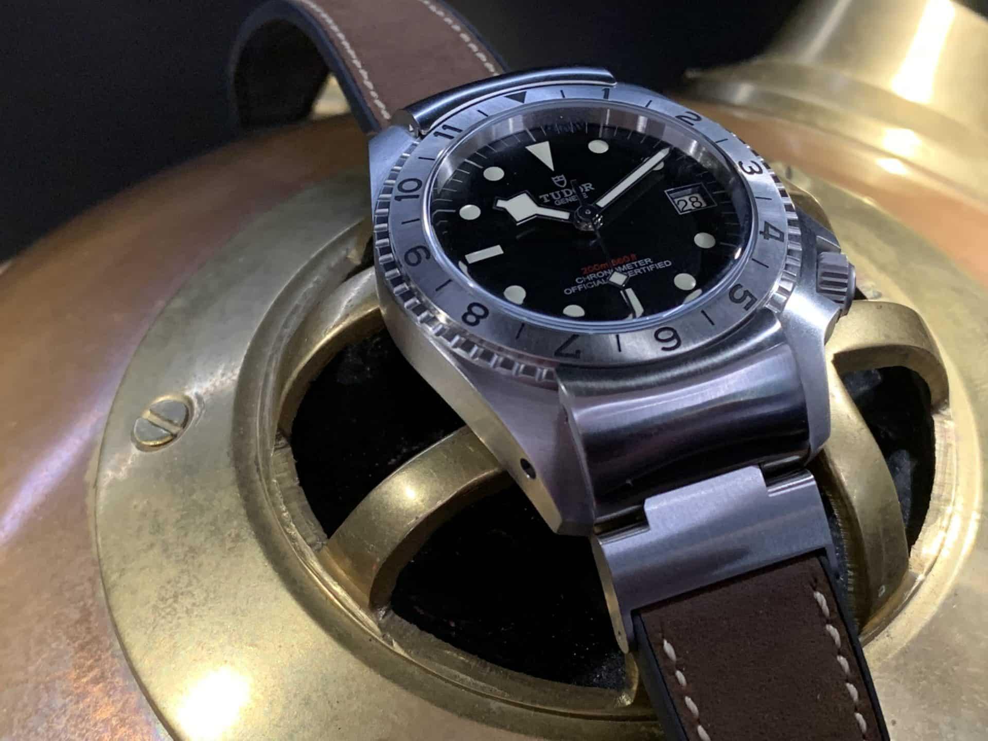 Diese Armbanduhr wirkt stark, weil sicher polarisierend