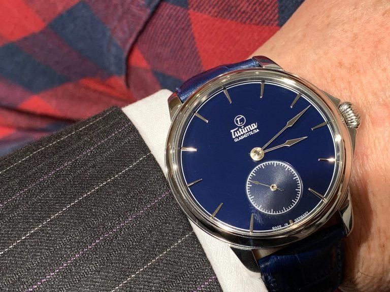 Eine hochwertige Uhr mit entsprechendem Uhrwerk zum fairen Preis