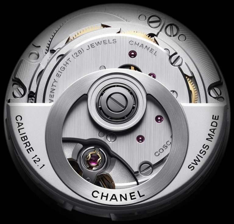 Der eindrucksvolle Rotor aus Wolfram ist nur ein Merkmal des von Kenissi kommenden Uhrwerks 12.1 der Chanel J12