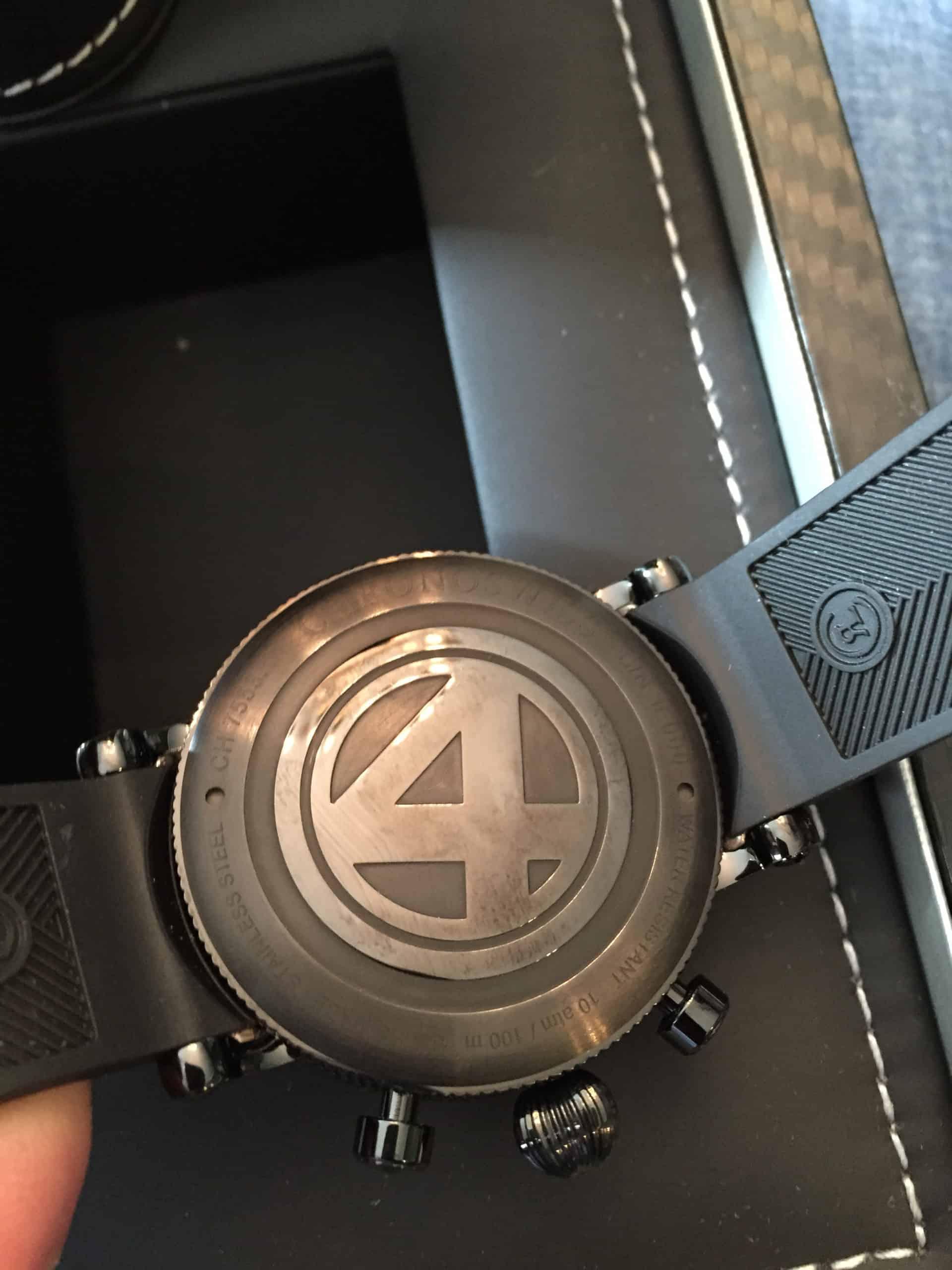 Der Gehäuseboden der Chronoswiss TimeMaster Day-Date aus Bronze
