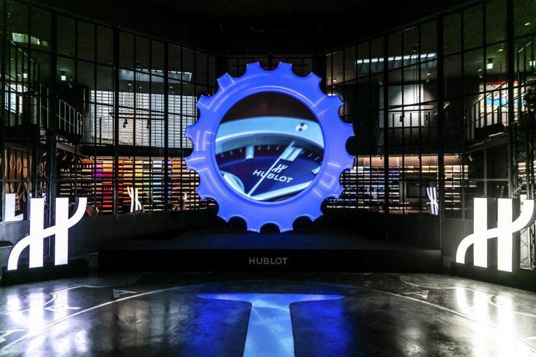 Die historische alte Tankstelle ist der passende Rahme für Events und Präsentationen, wie für das Designbüro Garage Italia