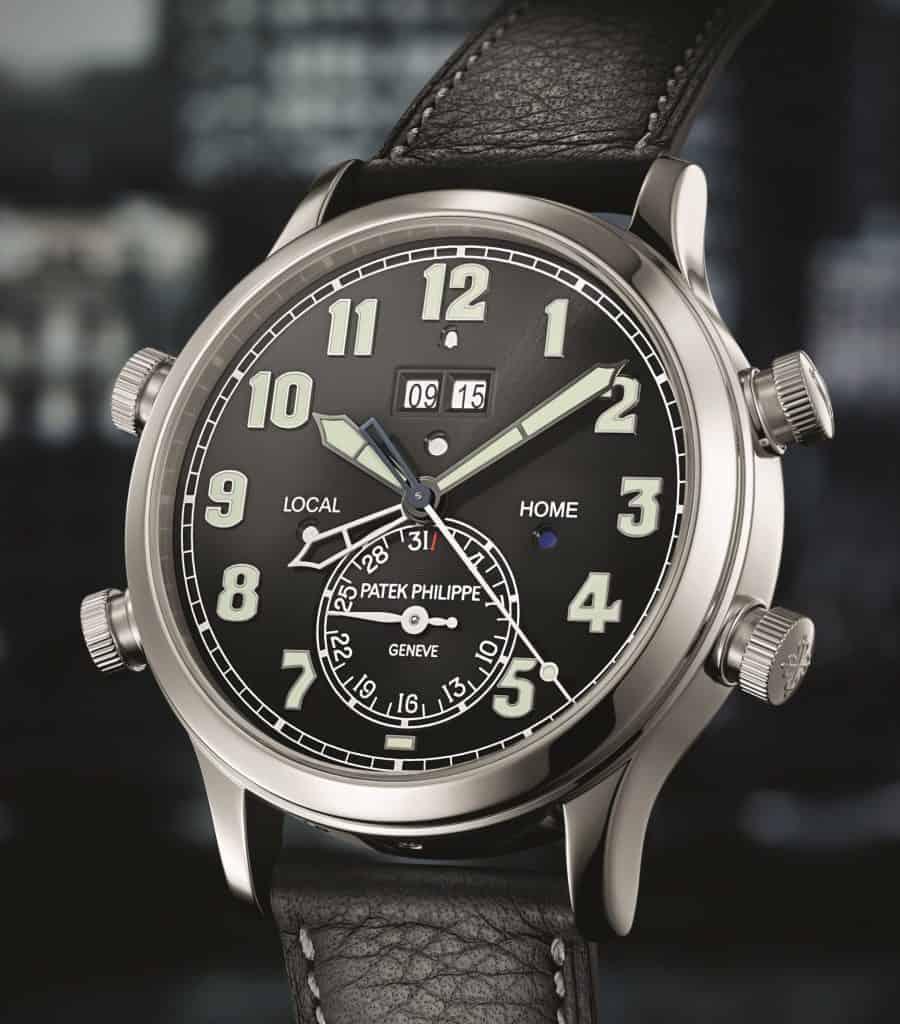 Die GMT Weltzeitfunktion ist kompakt in der Platinhülle der Patek Philippe Alarm Travel Time verpackt