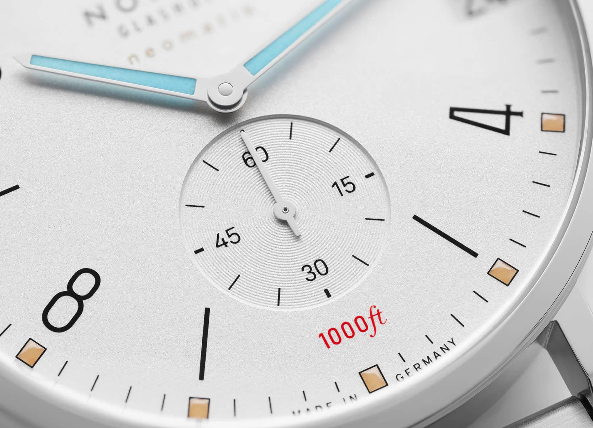 008_NOMOS_Tangente_Sport_neomatik_42_date_detail_dial