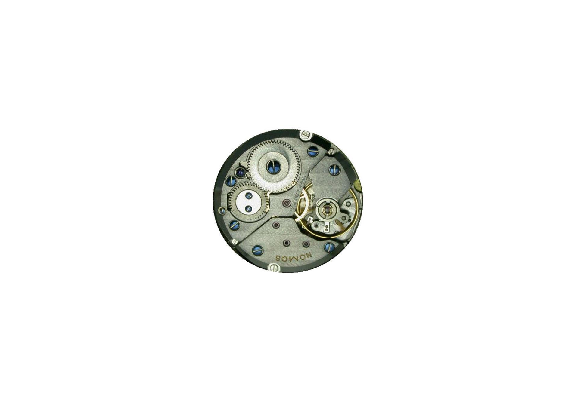 Peseux 7001 von ETA, das war das Handaufzugswerk, das in den ersten Tangente Uhren von Nomos Verwendung fand