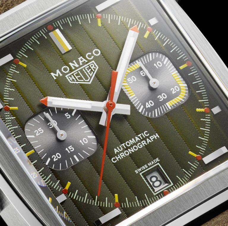Die TAG Heuer Monaco Calibre 11 Edition startet mit 1969-1079 und Genfer Streifen wie einem braun-bernsteinfarbenen Zifferblatt