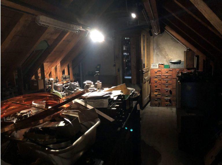 Die El Primero Pläne, Werkzeuge und Stanzen fanden Rettung auf den dunklen und verwinkelten Dachböden der alten Zenith Manufaktur