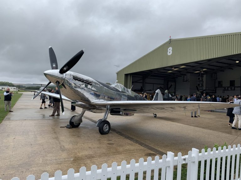 Silver Spitfire Flugzeug