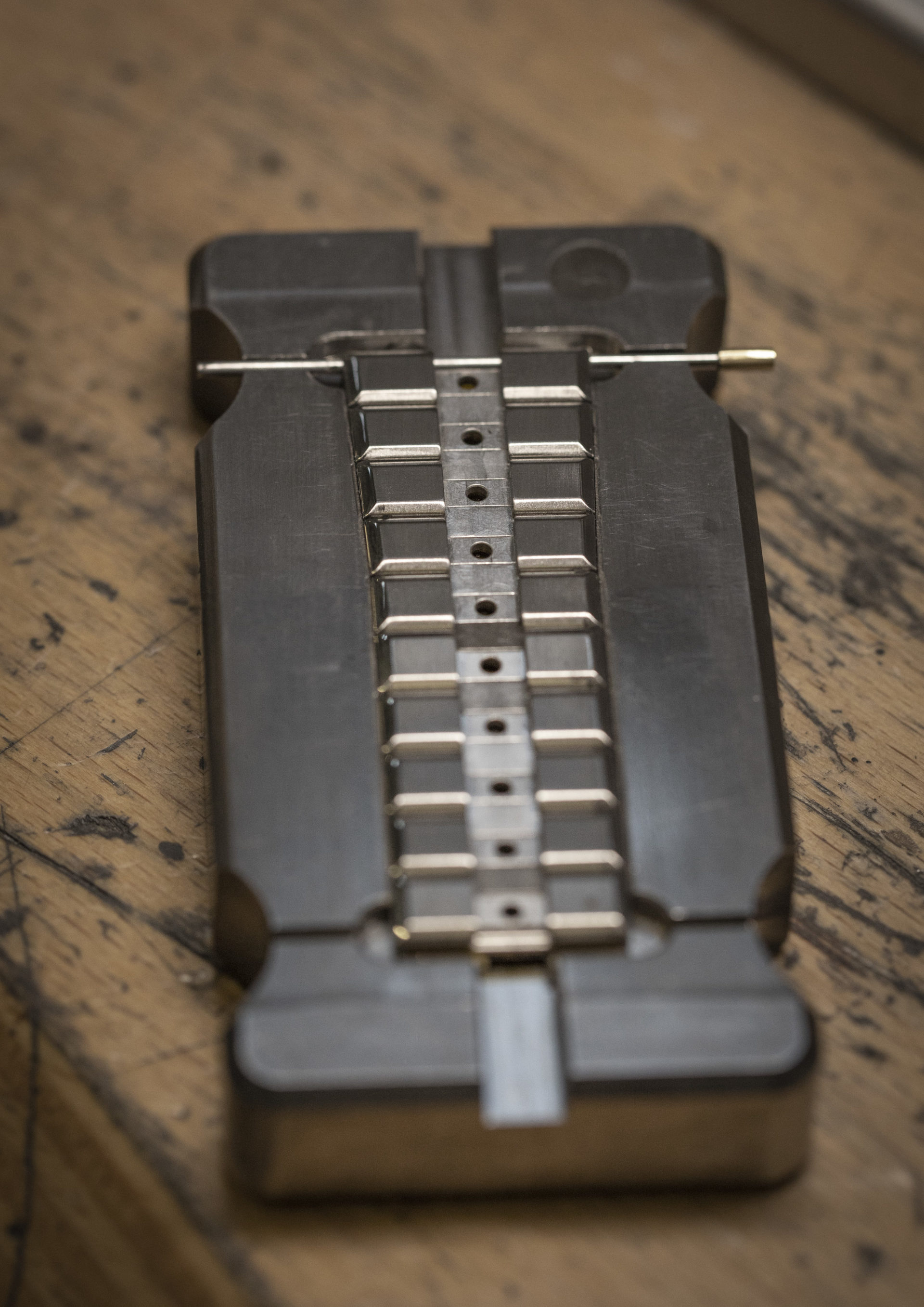 Das verstellbare Metall-Armband