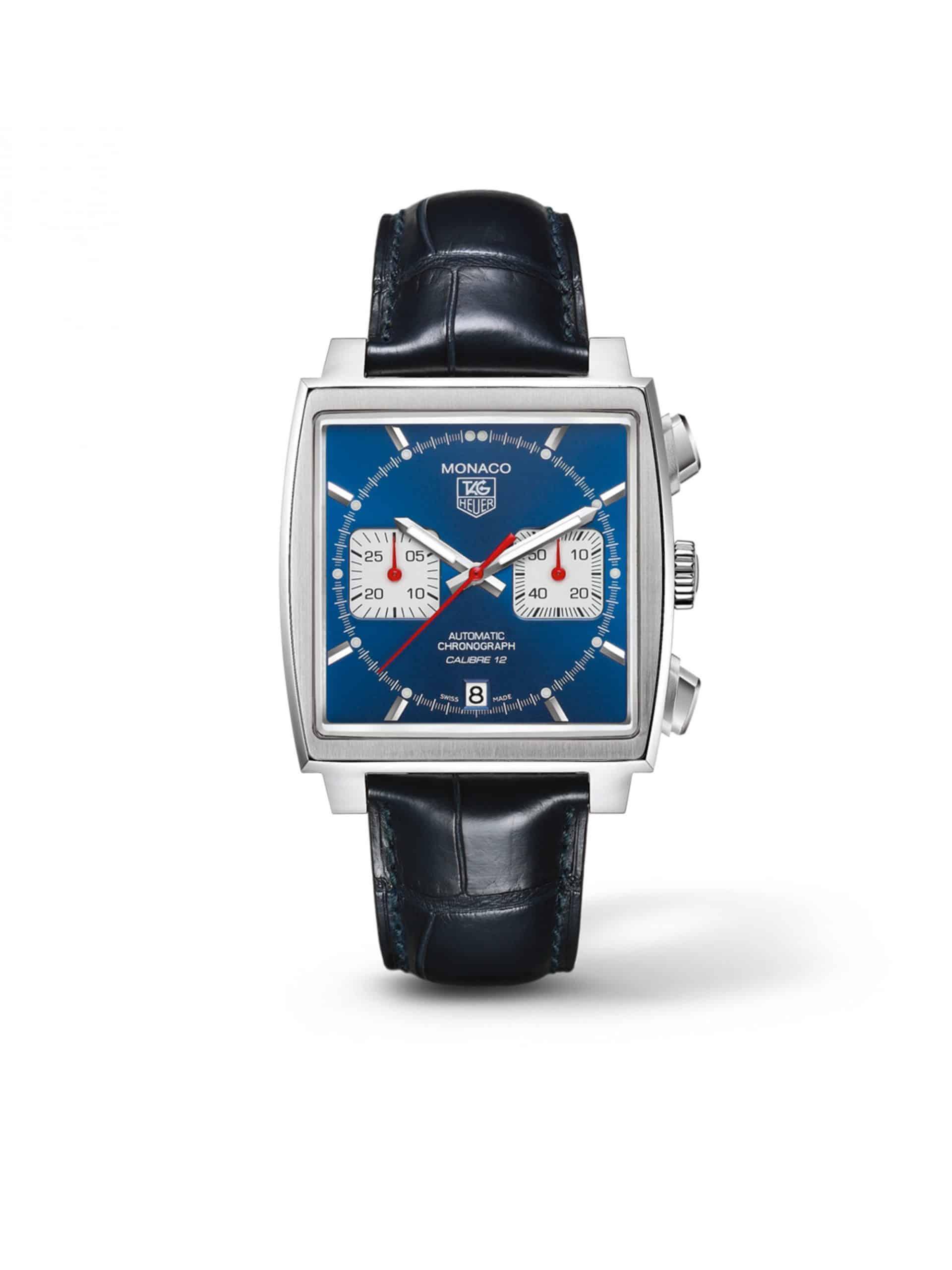 Robust, sportlich und mit Totalisatoren für Stopp-Funktionen ausgestattet. Der Uhrenklassiker TAG-Heuer Monaco Kaliber12, sie kostet in Stahl Preis-5050-Euro.