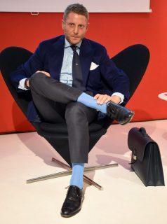 Stilratgeber über Uhren, Socken und Strümpfe: Denn Bein-Kleinder machen Leute.