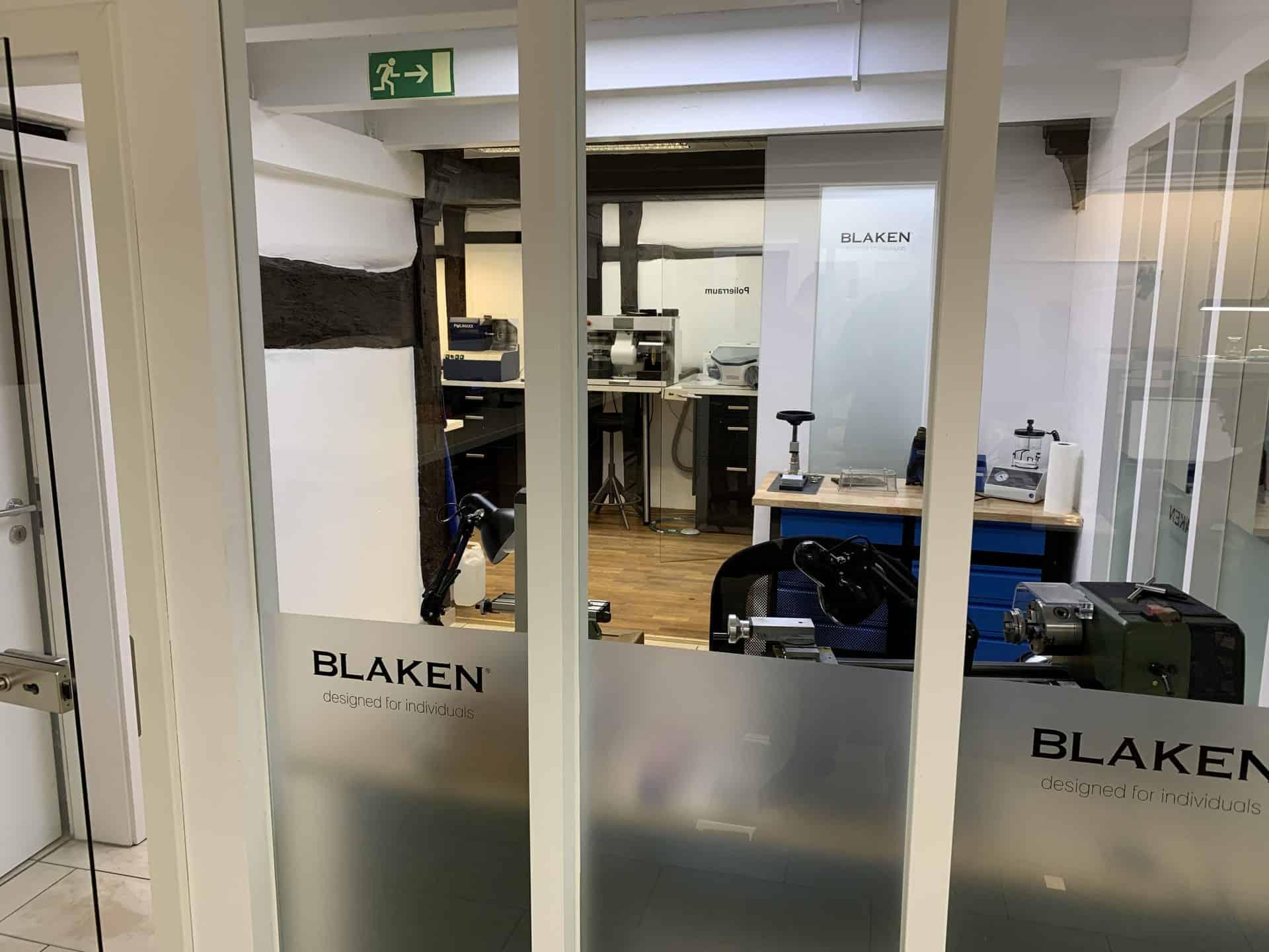 Blaken Manufaktur: Werkstatt für unsaubere Arbeiten wie Polieren und Schleifen