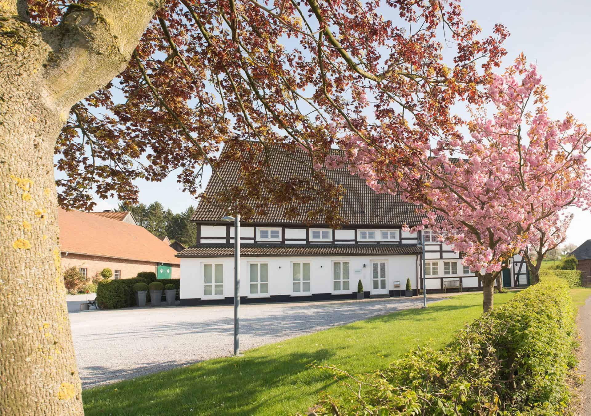 Das Blaken-Uhrenatelier befindet sich im abgeschiedenen in Menden im ruhigen Sauerland