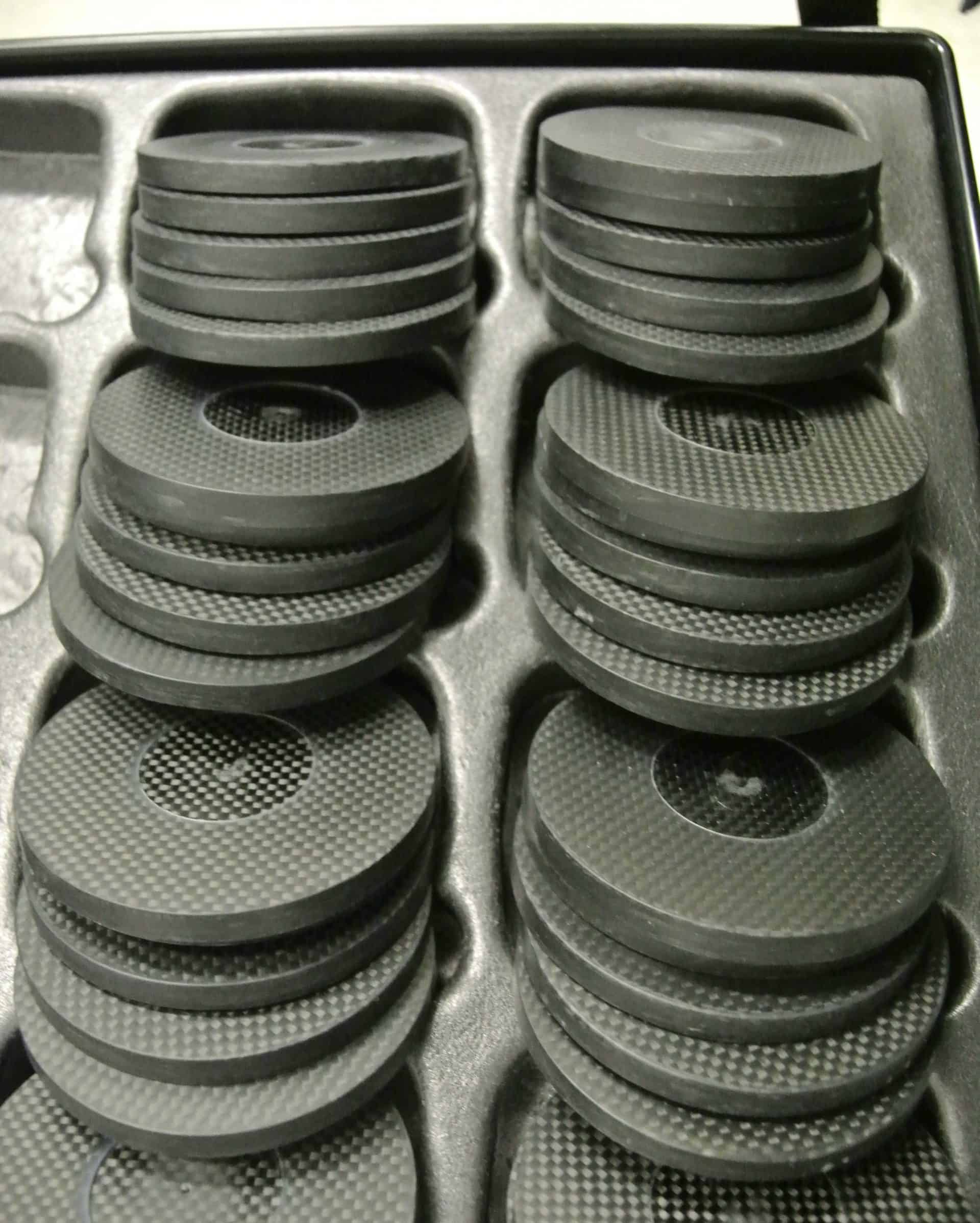 Hublot arbeitet mit geschnittenen und polierten Karbonrohlingen, diese werden zu Karbongehäusen weiterverarbeitet