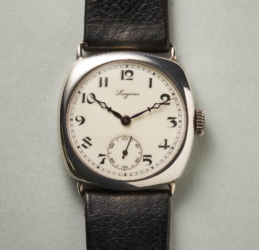 Longines Armbanduhr mit Silbergehäuse aus den 20er Jahren des letzten Jahrhunderts