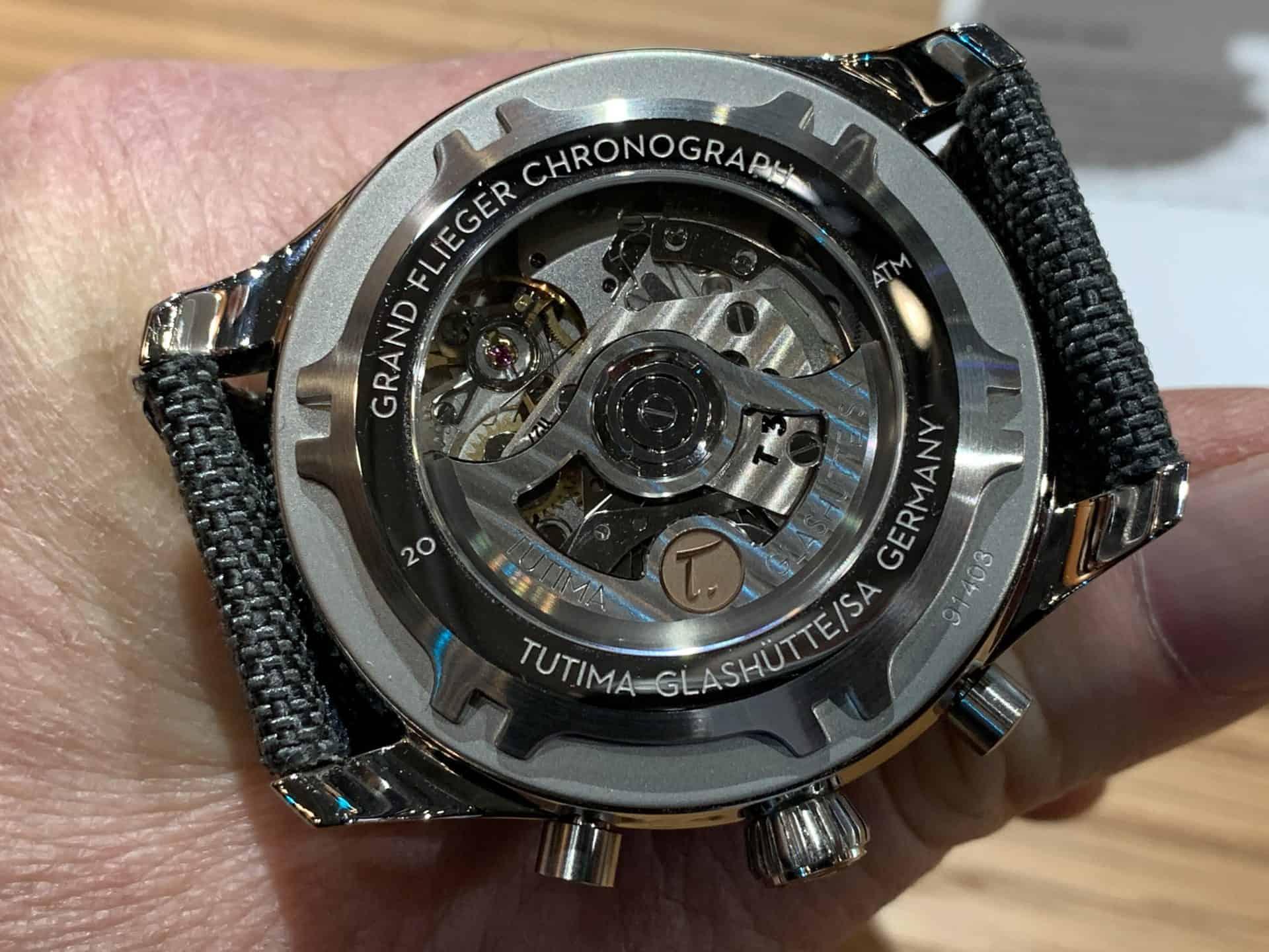 """Durch den Sichtboden des Tutima """"Grand Flieger"""" zeigt sich das schöne Uhrwerk Sellita SW 500"""