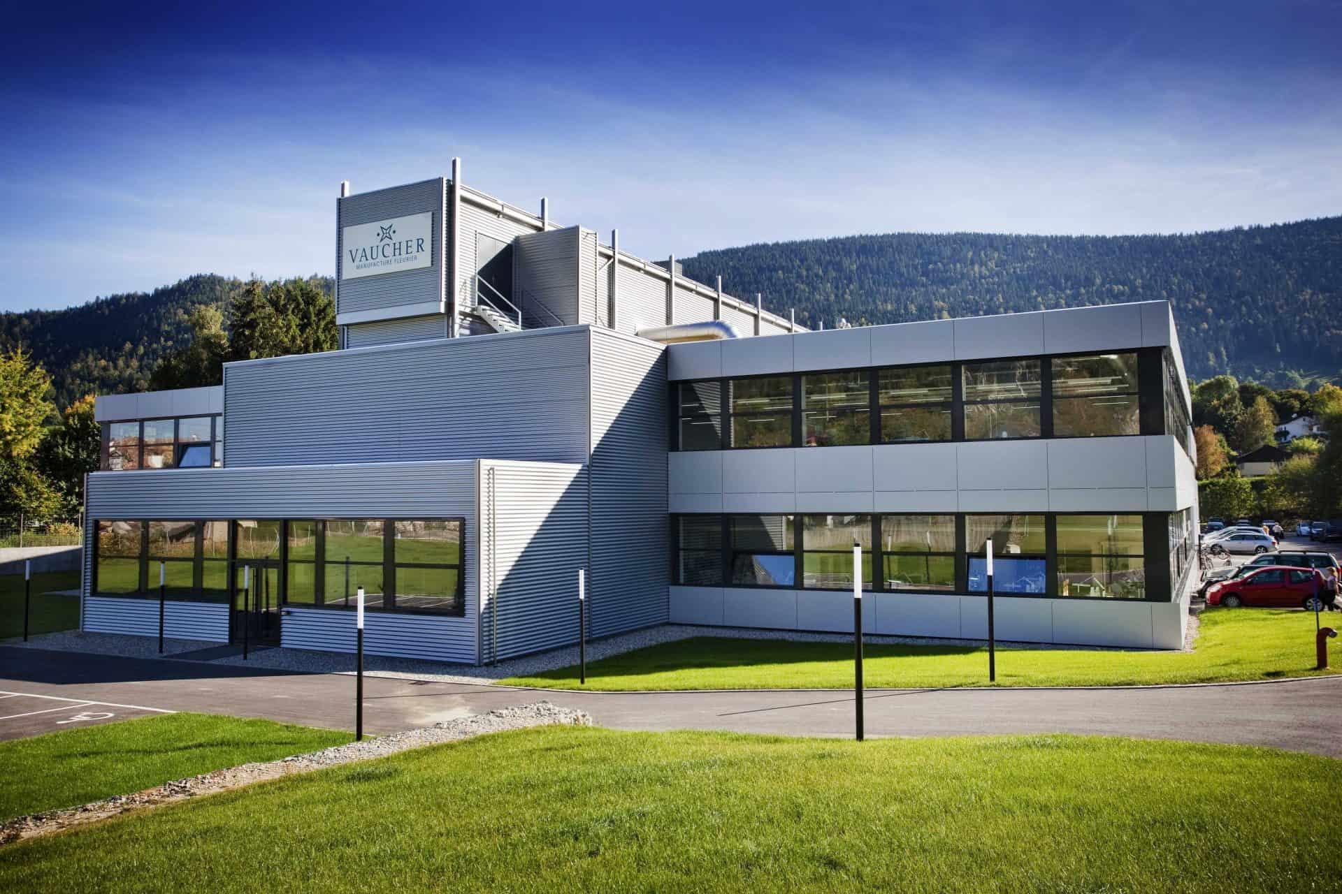 Aus der Vaucher Manufacture in Fleurier stammen die in den Armband-Chronographen von Czapek und Parmigiani verbauten Automatikwerke