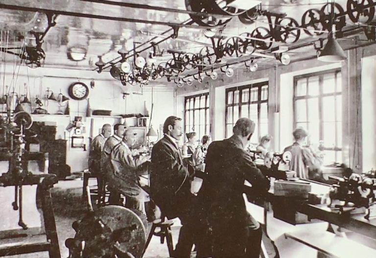 Patek produzierte zwar Qualität, aber noch ohne die notwendige Manufaktur-Fertigungstiefe.