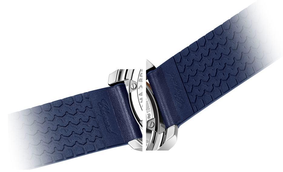 Im Armbandinneren ist auch Kautschuk das Profil eines Dunlop-Reifens abgebildet