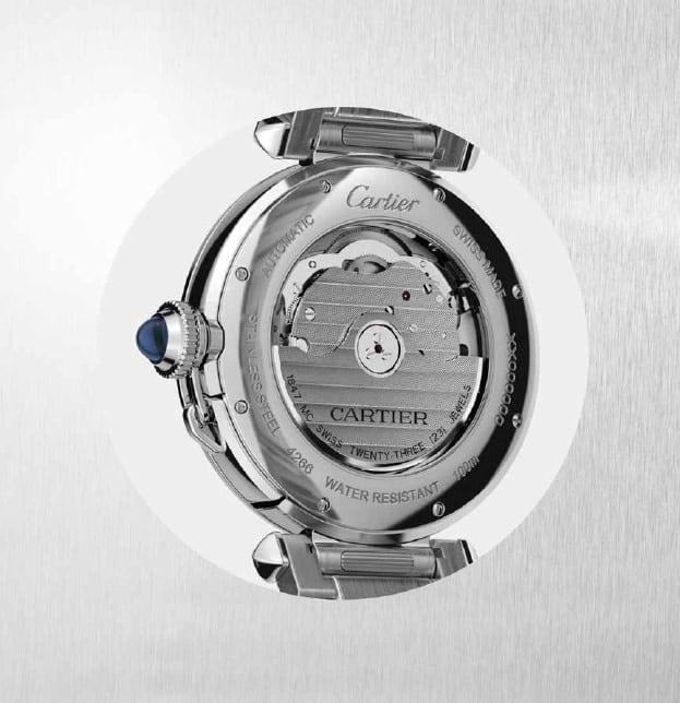 Der Sichtboden der neuen Cartier Pasha zeigt das exklusive Automatikkaliber 1847 MC