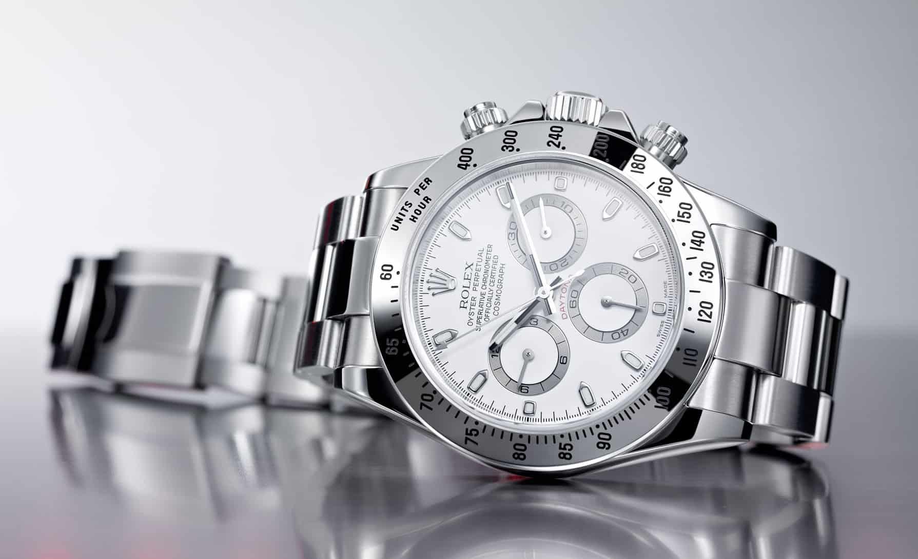 Stahluhren wie die  begehrten Modelle einer Rolex Daytona, Rolex Pespi oder ein Patek Nautilus sind nur mit Wartezeit erhältlich