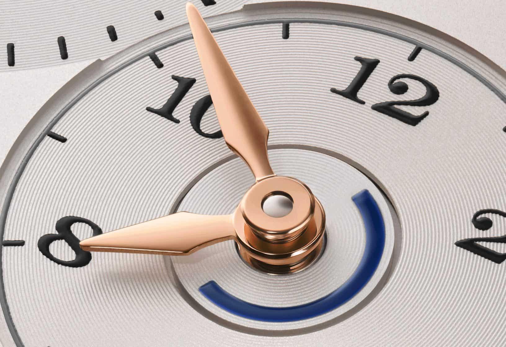 Die neue und überarbeitete Tag-/Nacht-Anzeige der neuen Lange 1 Zeitzone mit zentral drehender 24-Stunden-Scheibe