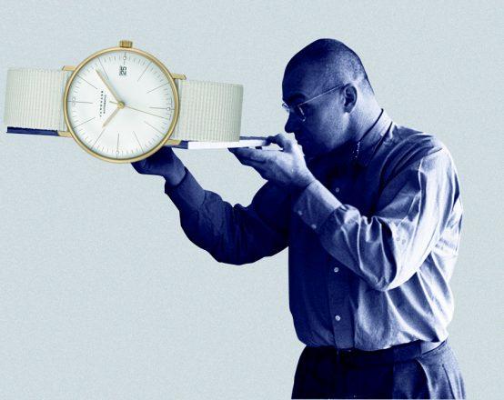 Die Junghans max bill Kleine Automatic erinnert an die Kooperation mit dem Designer im Jahr 1961