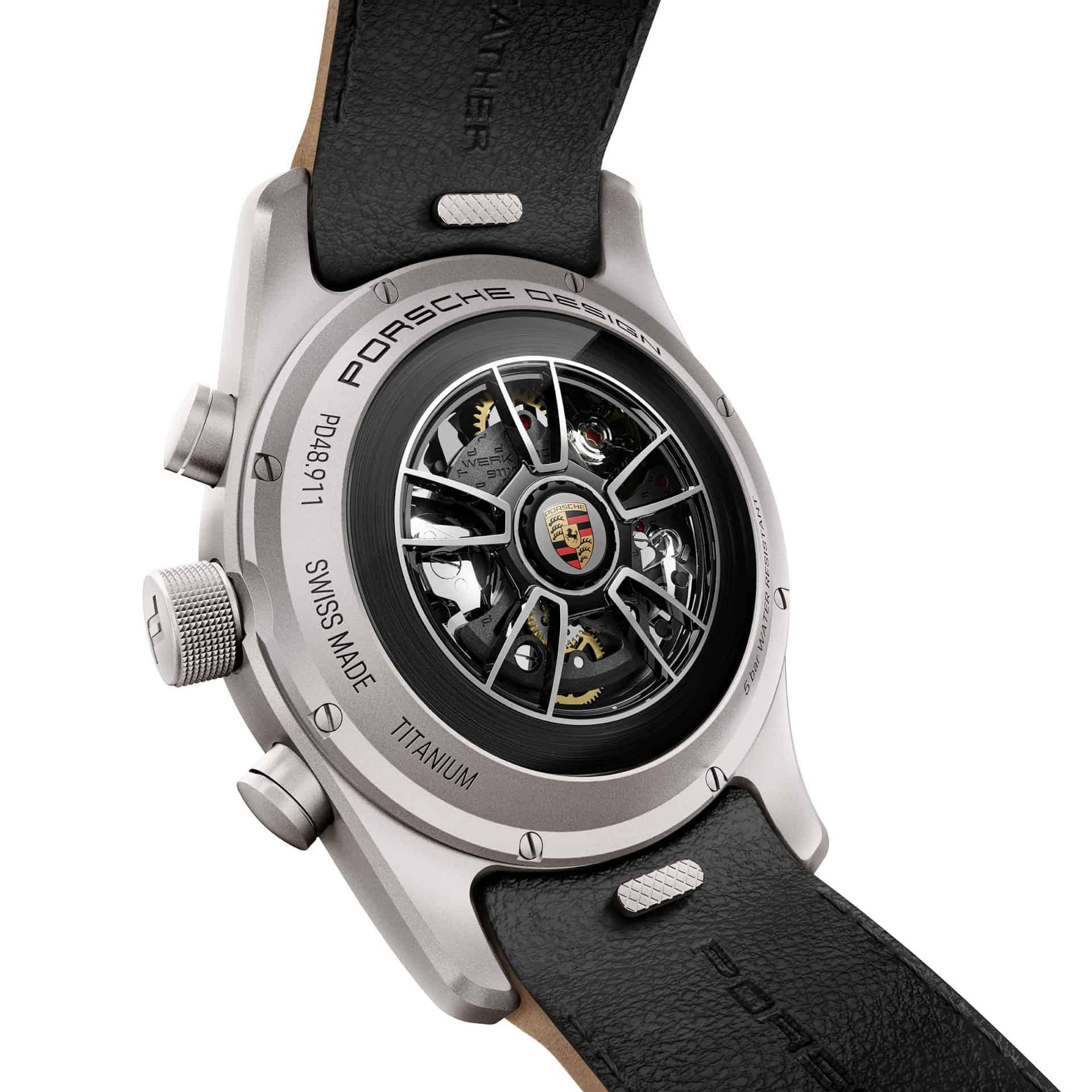 Der Porsche Design Chronographen Rotor kommt nach dem Vorbild des Porsche 911 Mojave Beige