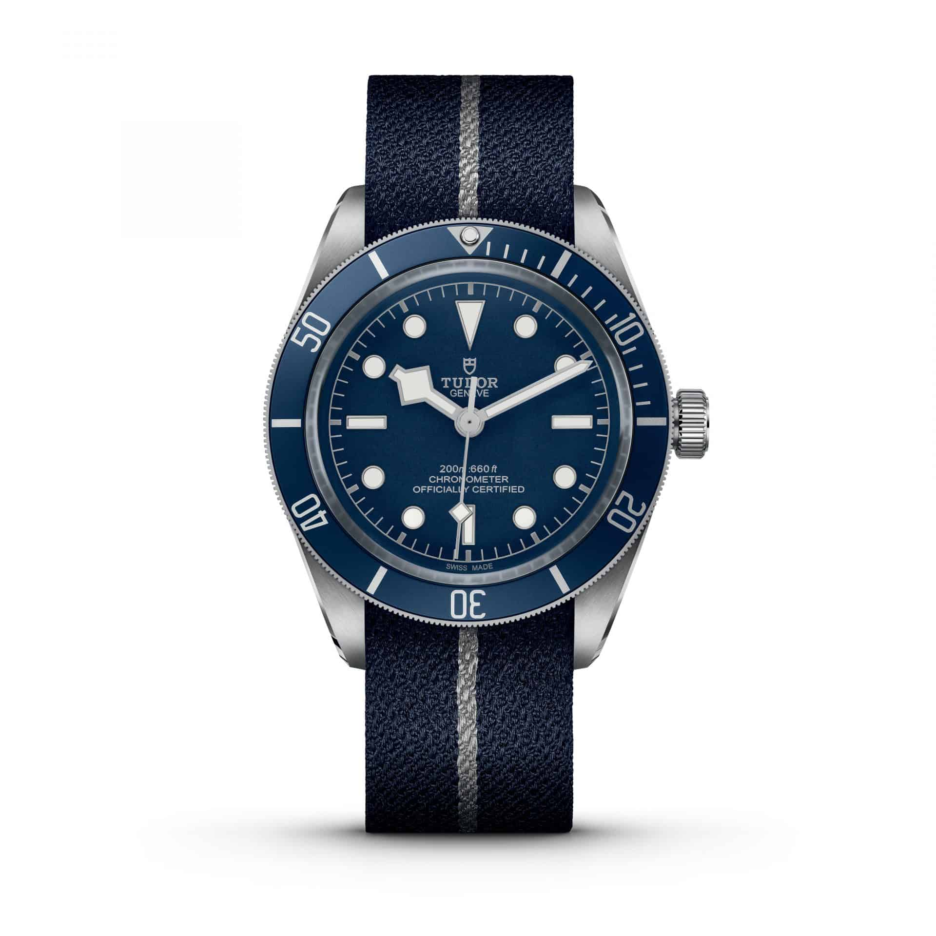 Die Tudor Black Bay Fifty-Eight Navy Blue Variante mit Textilband