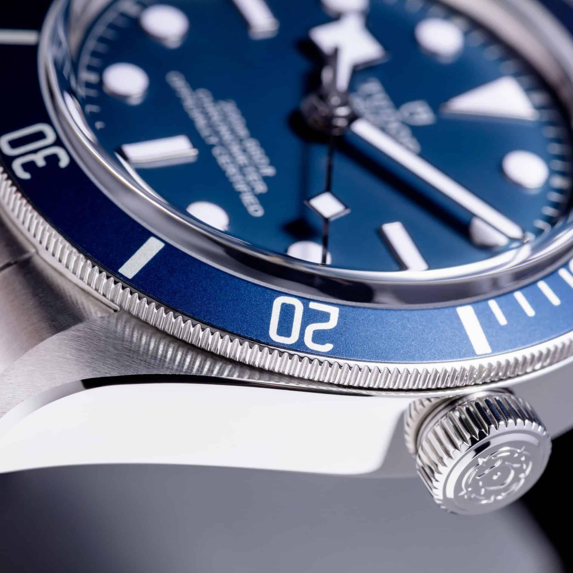 Die Tudor Armbanduhr wird mit einem offiziellen Chronometerzertifikat ausgeliefert