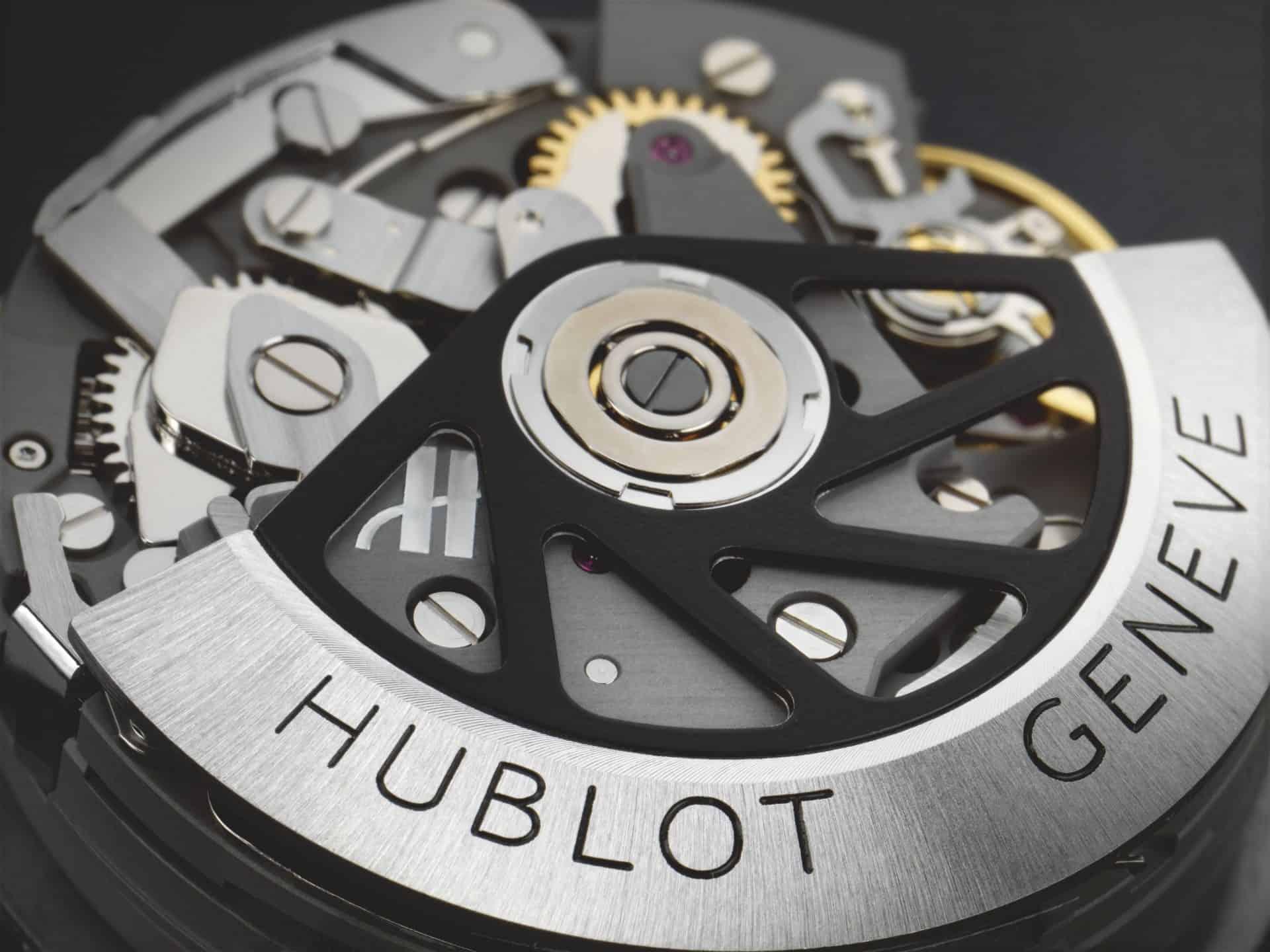 Der Titan-Rotor des Kalibers HUB44 trägt außen überdies ein Wolfram-Segment