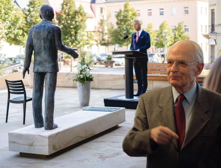Walter Lange Denkmal Glashütte – Ehre, wem Ehre gebührt